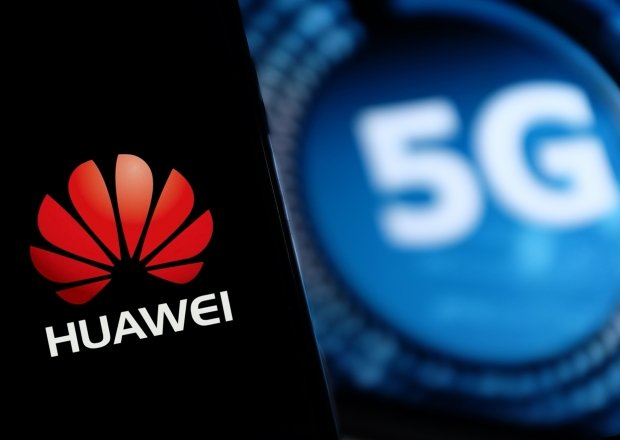 Logo of Huawei and the words 5G