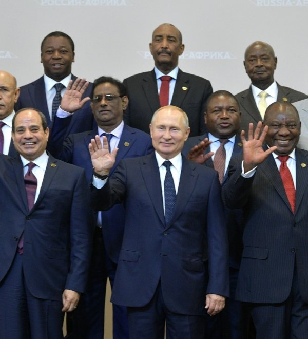 The heads of delegations attending the Russia-Africa Summit pose for photographs. October 24, 2019; Sochi, Russia (Source: en.kremlin.ru)