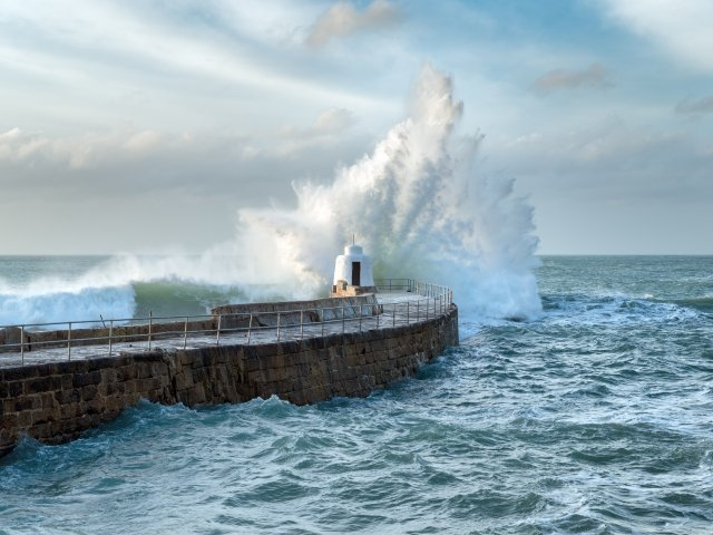 Waves UK