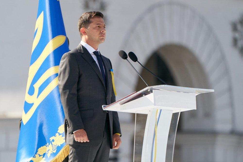 President Zelenskyy gives a speech during the 2019 Ukrainian Independence Day celebration. Source: Wikimedia Commons.