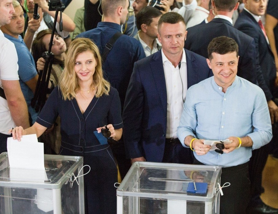 Ukrainian President Volodymyr Zelenskyy and his wife vote in the July 21 parliamentary elections. Source: president.gov.ua