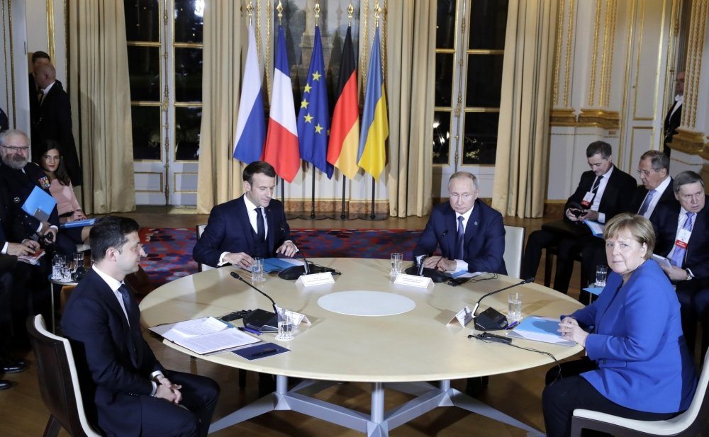 A photo from the Normandy format summer with Ukrainian President Zelenskyy, French President Macron, Russian President Putin, and German Chancellor Angela Merkel. Photo: Mikhail Metzel, TASS, source: kremlin.ru