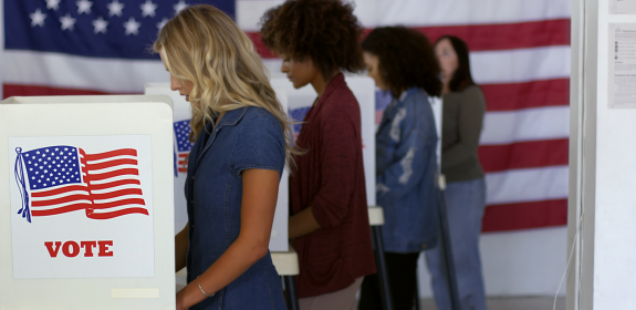 US voters casting ballots