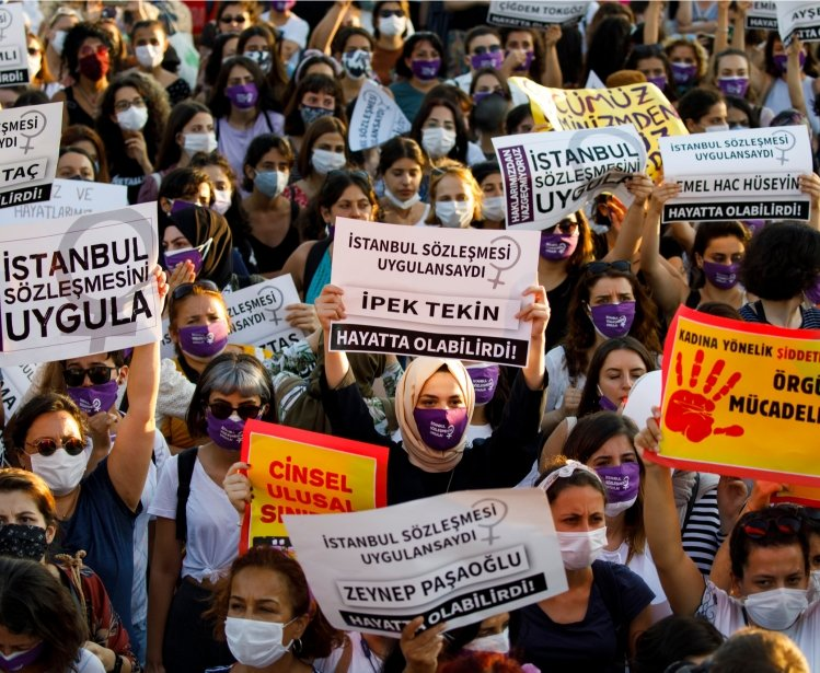 Women Protest Istanbul