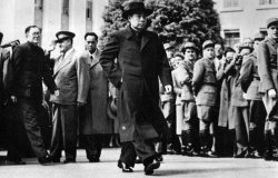 Zhou Enlai and China's Response to the Korean War