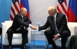 Presidents Trump and Putin shaking hands