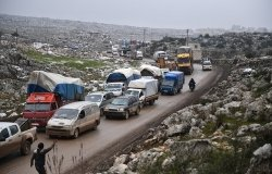 Caravan of refugees leaving Idlib