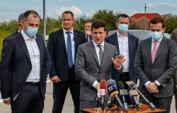 September 25, 2020: President of Ukraine Volodymyr Zelensky (С) answers questions of journalists after inspecting M24 highway as part of working visit to the Zakarpattia region.
